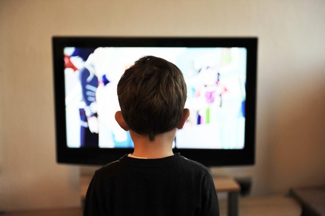 I tuoi bambini stanno guardando la tv, che cosa fai nel frattempo?